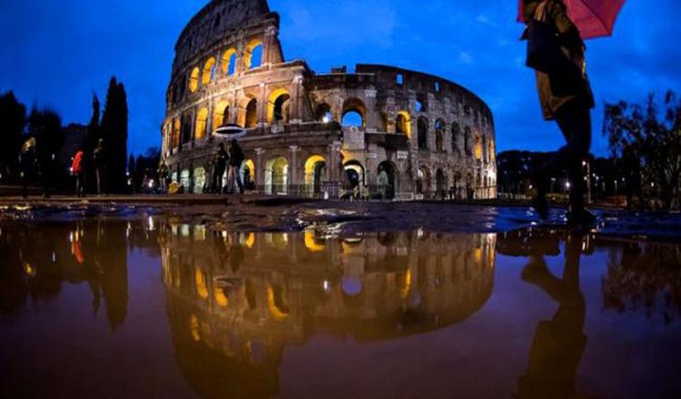 Italia, lovită de furtuni, inundaţii și 15 cutremure, în 48 de ore. Doi copii morți și zeci de răniți