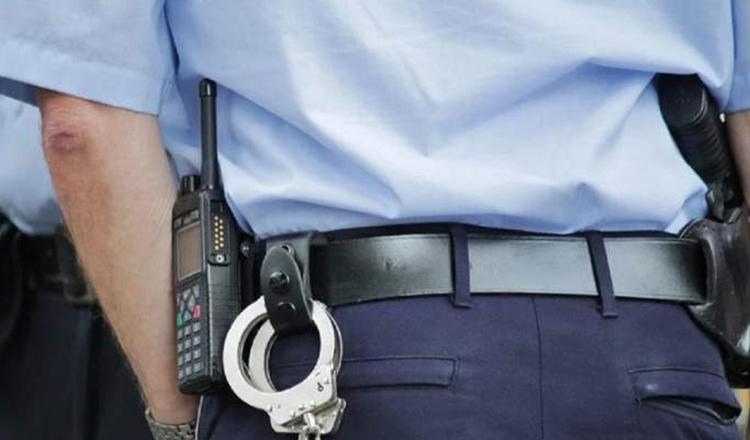 Situatie incredibila la Constanta! O tanara in varsta de 22 de ani a batut 4 politisti si 3 oameni de la paza intr-un bar